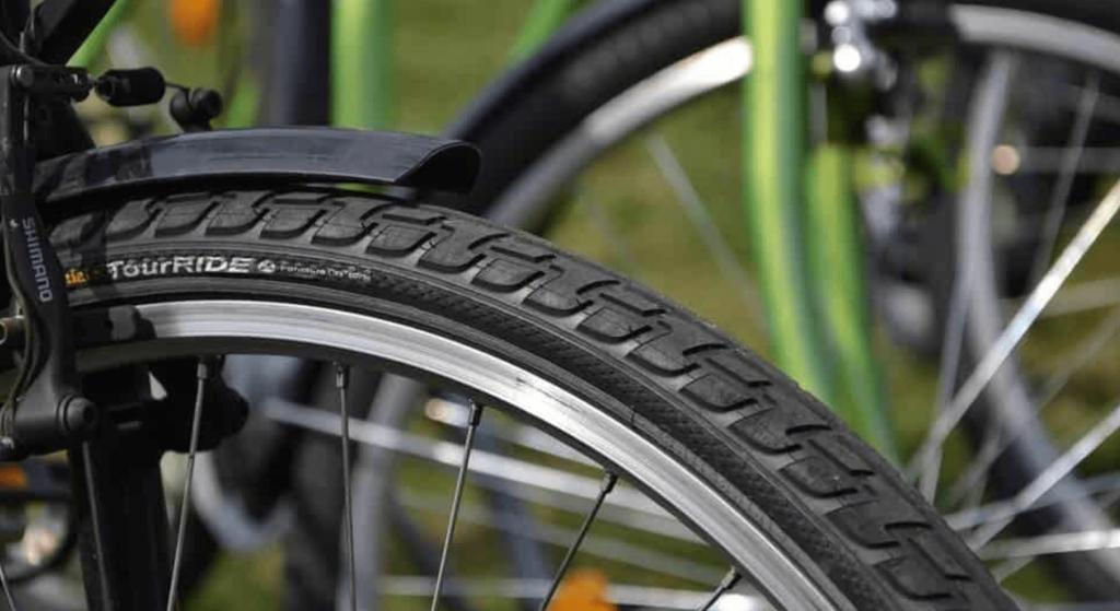 Best hybrid bike tires